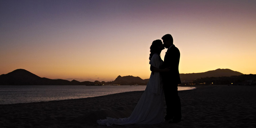 wedding couple at sunset in Los Cabos