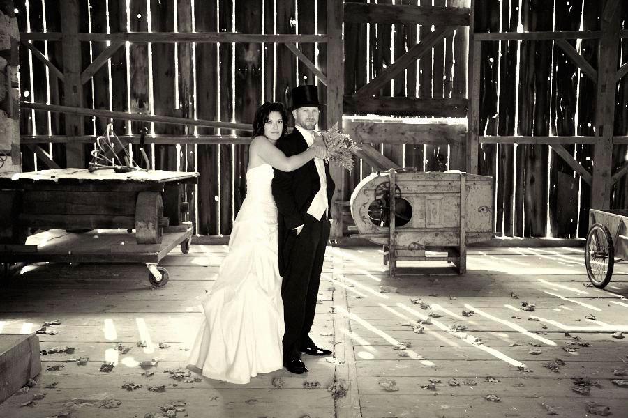 Black Creek Pioneer Village Fall Wedding