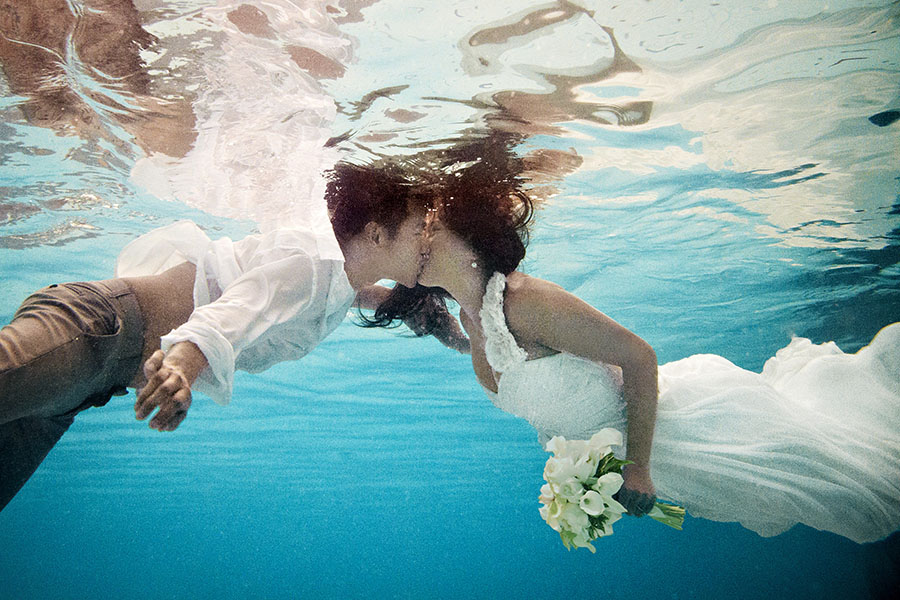 underwater trash the dress by silverlight photography